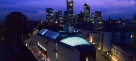 Museum für Moderne Kunst in Frankfurt am Main (Aussenansicht bei Nacht)